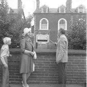 Memorial Plaque in Cliff Road