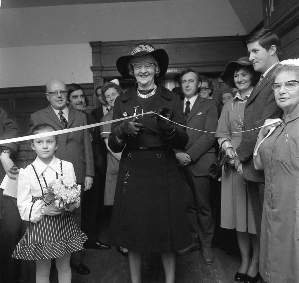 Mrs Levy opens hospital extension