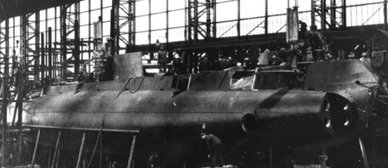British_H_class_submarine_under_construction